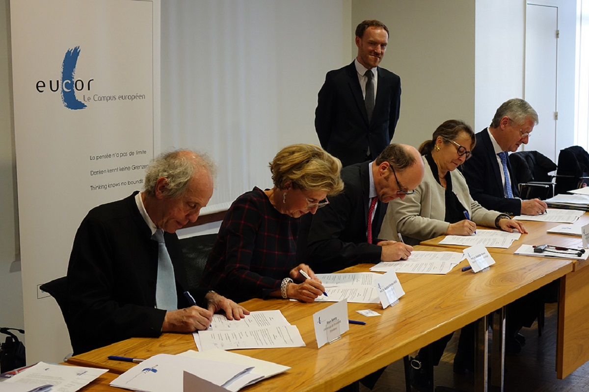 The creation of the EGTC Eucor – The European Campus through the signature of the presidents of the member universities.